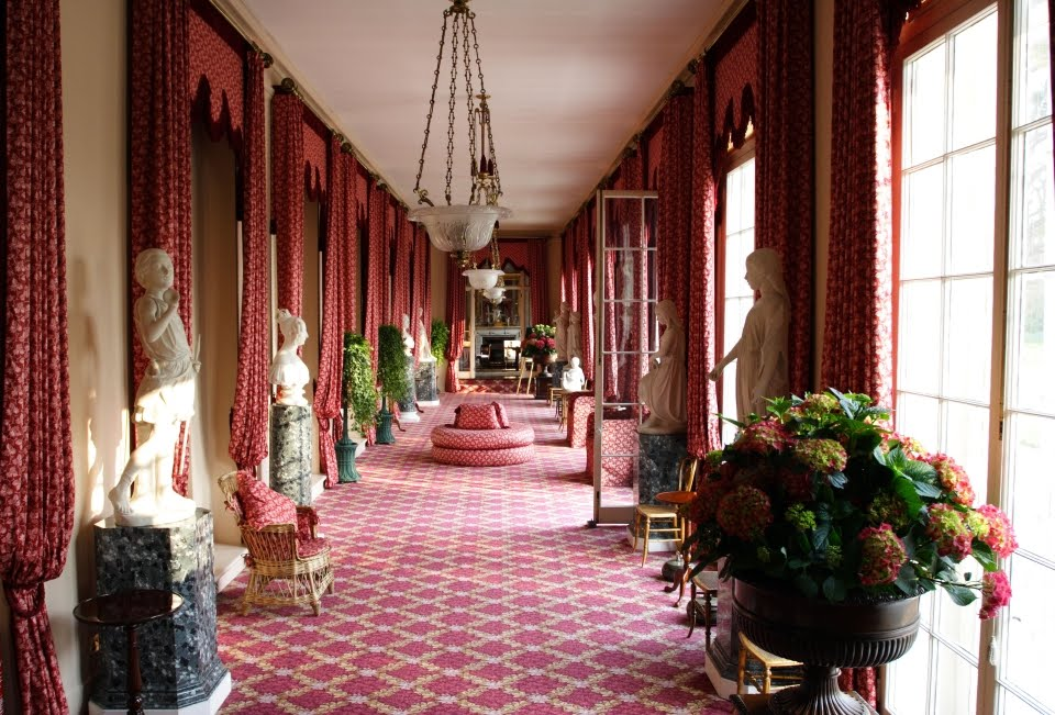 Inside Frogmore house – which is said to cost around £300,000 to hire